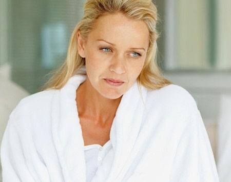 علت و درمان ریزش مو در دوران یائسگی (نگرانی زنان میانسال