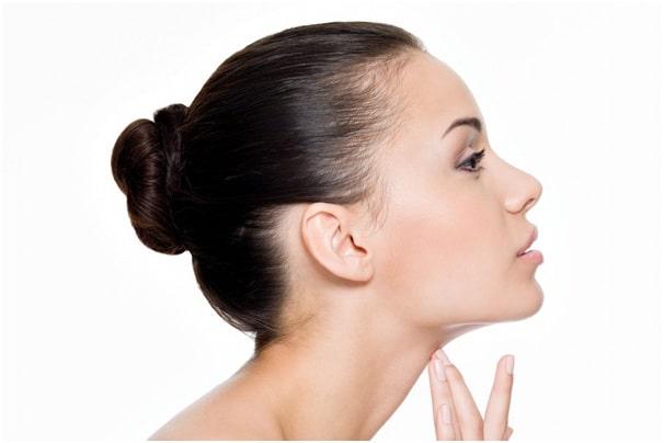 از بین بردن و رفع غبغب با لیپوساکشن و جراحی